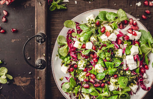 LAMB'S LETTUCE WITH FETA AND POMEGRANATE